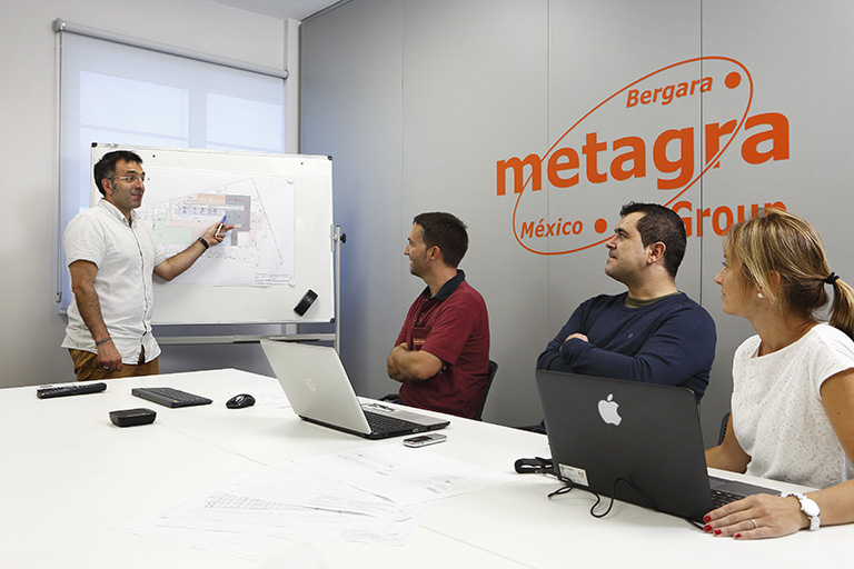 Más de 100 personas formamos el equipo de Metagra.